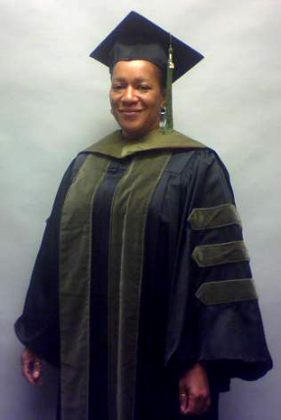 Faculty/Staff Doctor Cap, Gown Tassel Rental
